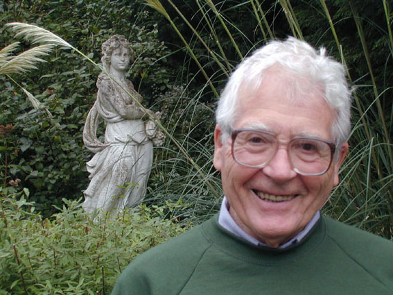 James Lovelock general presentation and home page in English