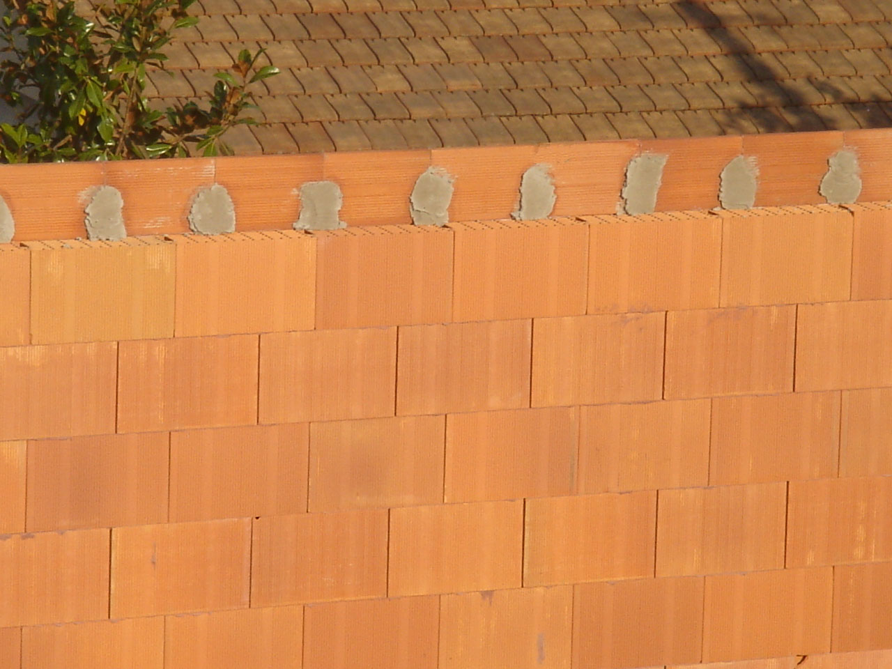Captivating At The Level Of The Intermediate Floor Slab, The Planelles De Rive Vertical  Bricks On The Exterior (in Contact With Outside Temperatures) Are Also ...